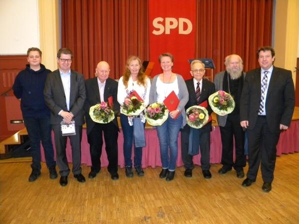 Jubilarehrung_SPD-Arheilgen mit Patrick Remmel, Dr. Ralf Stegner, Dr. Gerhard Kraft, Petra Ziergöbel-Gensert, Ute Günther, Günter Pitthan, Werner Kumpf und Hanno Benz