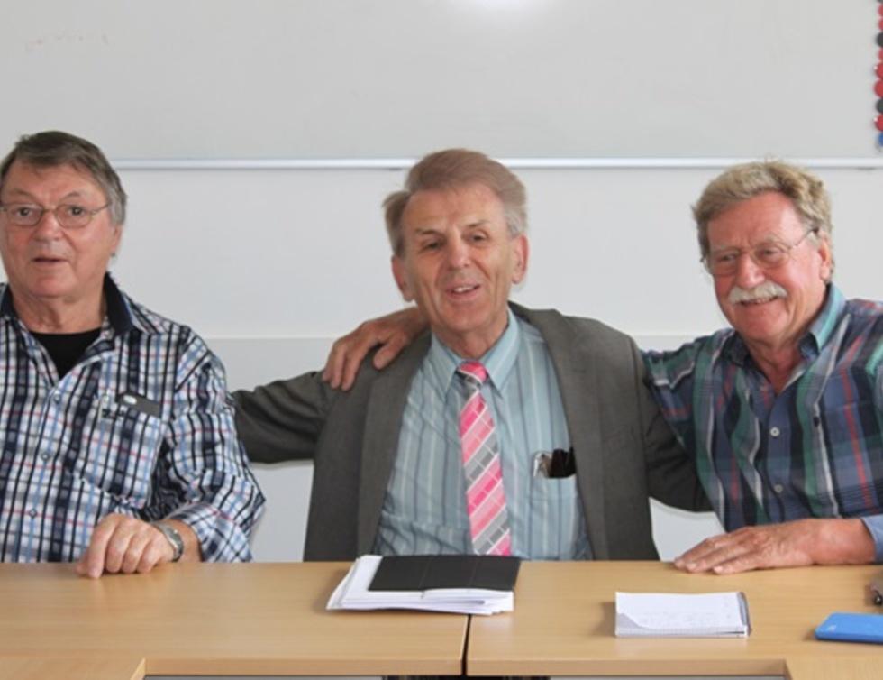Herbert Nowak, Versammlungsleiter Alt-Bürgermeister Horst Knechtel und der alte und neue Vorsitzende Dr. Wolf-Dietrich Schulze.