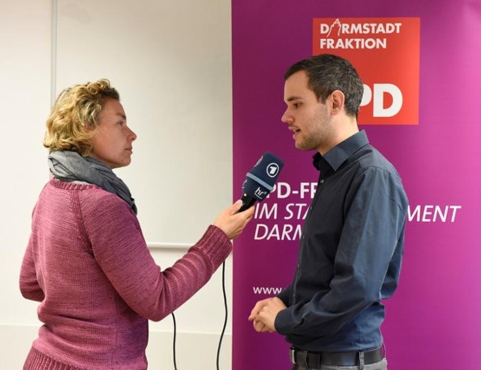 Tim Huß - hier im Gespräch mit Conny Bächstädt vom Hessischen Rundfunk